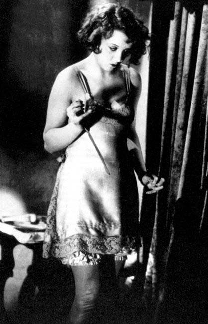 Anny Ondra in Hitchcock's Blackmail (1929)